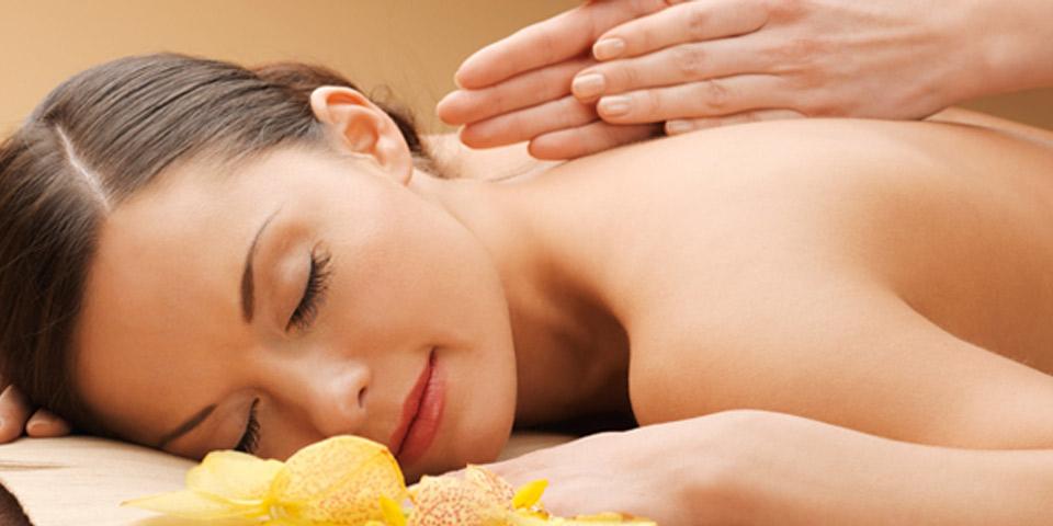 Masaje y exfoliación, un placer que fomenta tu belleza